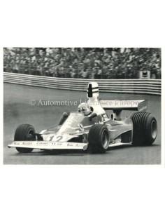 1975 NIKI LAUDA AT PAUL RICARD - POSTCARD SIGNED BY ENZO FERRARI